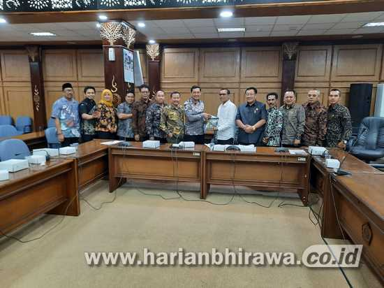 "DPRD Kabupaten Jombang ""Berguru"" BUMDes di Sidoarjo"