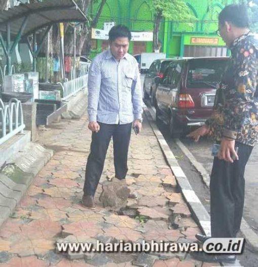 DPRD Gresik Imbau Pemkab Perbaiki Kerusakan Trotoar DPUTR