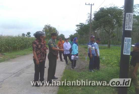 Babinsa Koramil 03/Tembelang Jombang Kawal Tapal Batas Desa