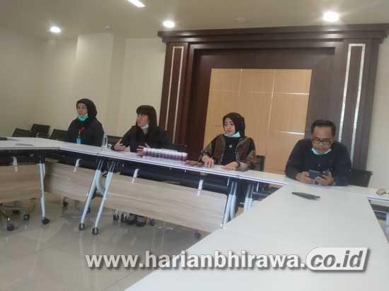 Legislator Surabaya Beri Bantuan Sembako dan APD untuk Rumkit