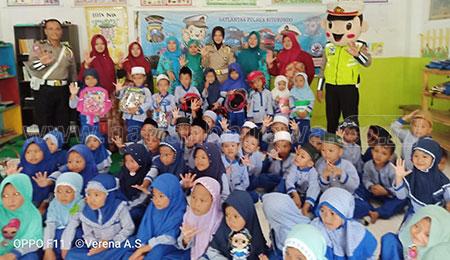 60 Siswa TK Nurul Huda Ikuti Program Polsanak