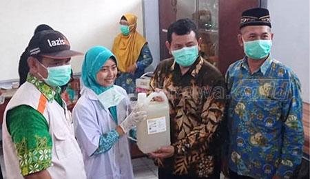SMAMITA Berbagi Hand Sanitizer bersama PDM dan Lazismu