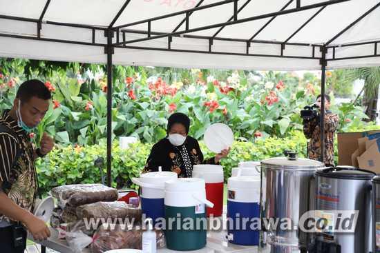 Wedang Pokak dan Telur Rebus Kuatkan Stamina Warga Surabaya