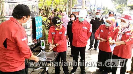 Palang Merah Indonesia Kota Batu Bantu Tandon Air