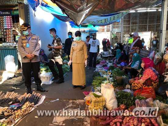 Cegah Penyebaran Covid-19, Bupati Bojonegoro dan Kapolres Sidak Pasar
