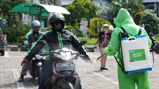 GrabBike dan GrabCar Surabaya Perangi Covid-19 dengan #KitaVSCorona