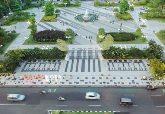 Alun-alun Surabaya