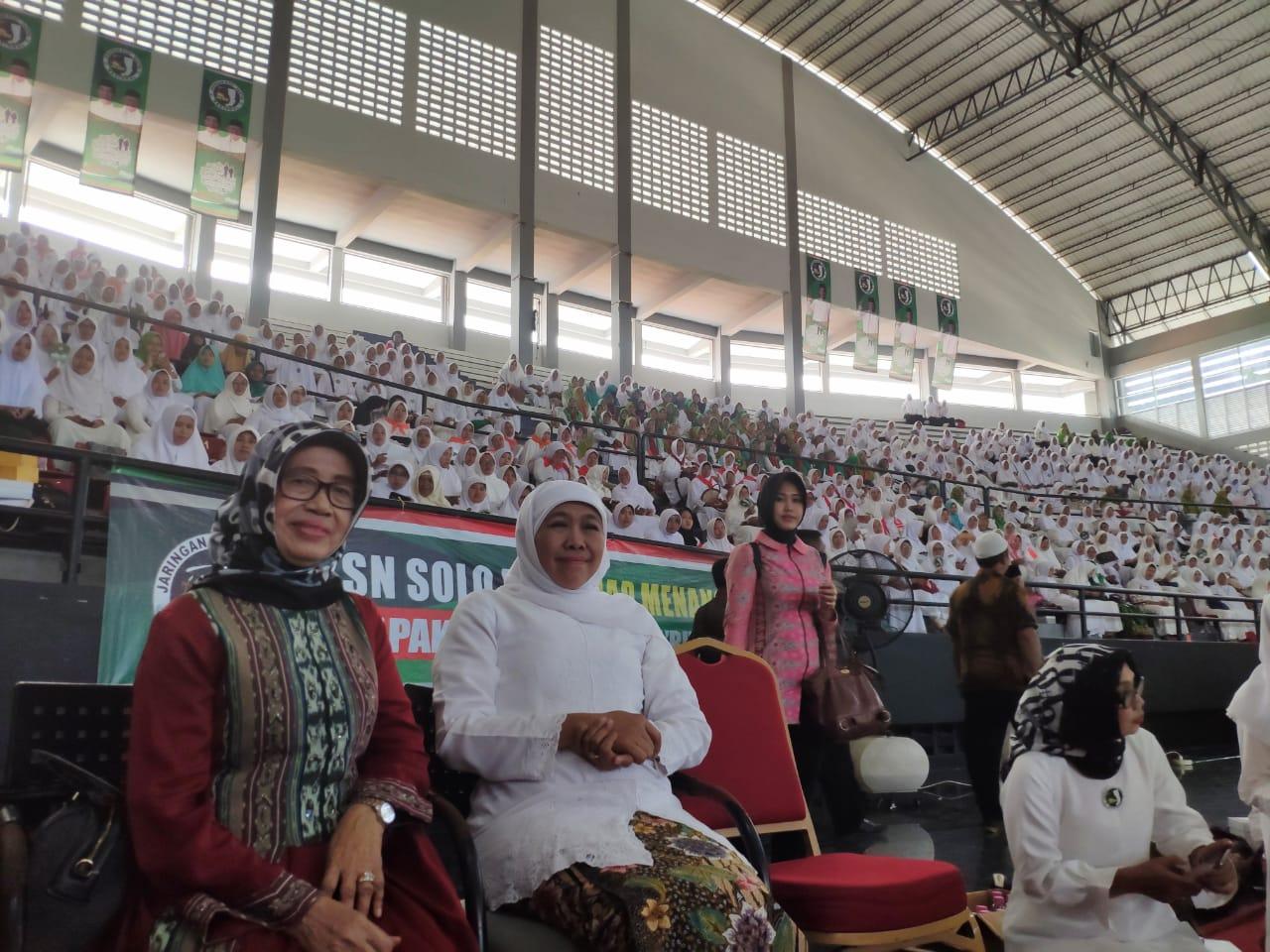 Ibunda Presiden Jokowi Tutup Usia, Khofifah Ungkapkan Belasungkawa