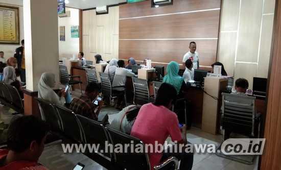 Ribuan Warga Kabupaten Probolinggo Gunakan Suket