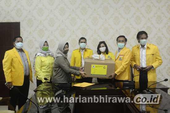 Golkar Surabaya Salurkan 100 APD ke Pemkot