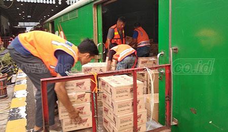 PSBB, KAI Siap Angkut Bahan Pangan Via Rail Express