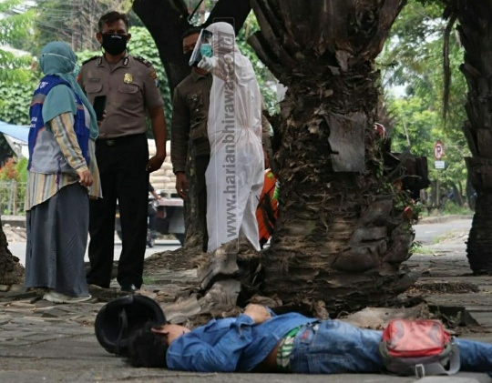Pria Bermotor Meninggal Mendadak di Jalan Margomulyo Surabaya