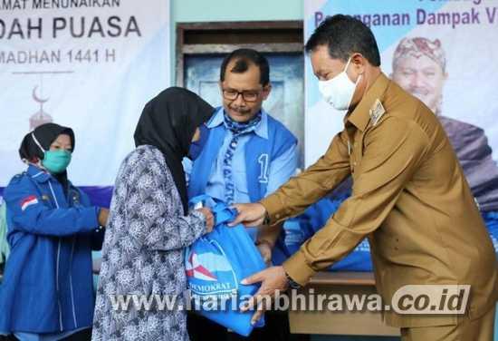 Partai Demokrat Kota Madiun Serahkan 750 Paket Sembako dan Alat Semprot