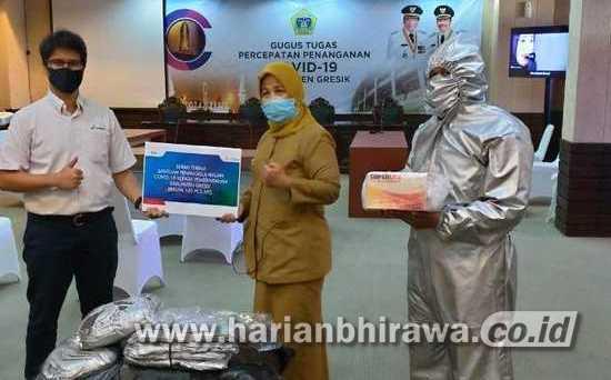 Hadapi Covid-19, PHE WMO Bantu Alat Pelindung pada Warga Jatim