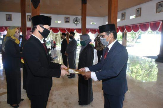 Bupati Nur Arifin Lantik 38 Pejabat di Lingkup Pemkab Trenggalek