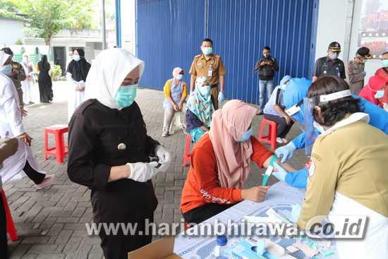 Pemkab Bojonegoro Rapid Tes Karyawan di Swalayan dan Pabrik