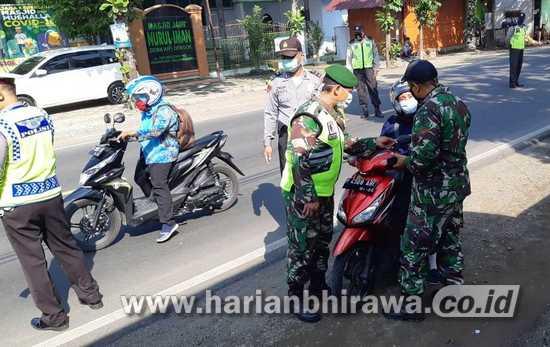 Petugas Gabungan di Bojonegoro Halau 163 Kendaraan Pemudik
