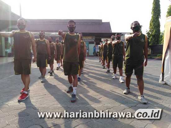 Personel Kodim 0815/Mojokerto Wajib Berjemur dan Olah Raga Mandiri