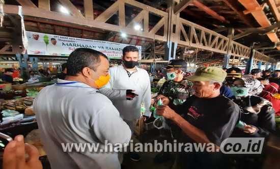 Peduli Covid-19, ISNU Bersama Wali Kota Probolinggo Bagikan Masker