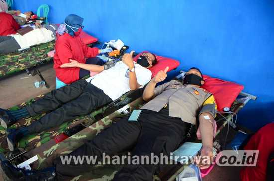 HUT Bhayangkara Ke-74, Polres dan PMI Situbondo Gelar Donor Darah