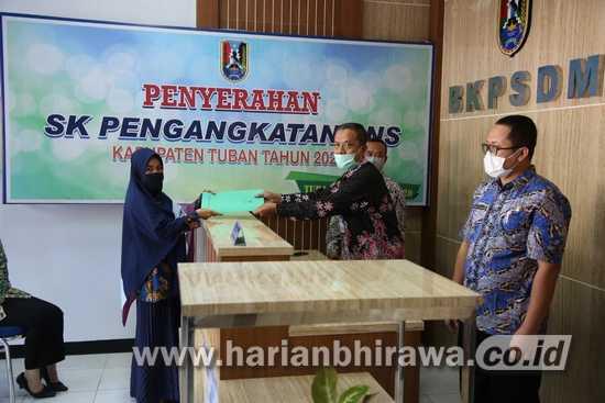 293 Calon Aparatur Sipil Negara Kabupaten Tuban Terima SK Pengangkatan