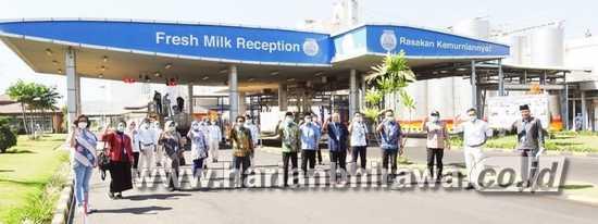 Komisi B Bawa Keluhan Petani Susu Segar
