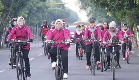 Ajak Bersepeda untuk Jaga Imunitas dan Tambah Keakraban Istri Kepala OPD