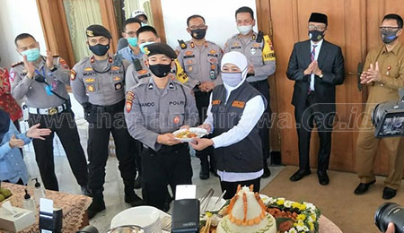 HUT Ke-74 Bhayangkara, Gubernur Khofifah Apresiasi Kerja Keras Polri