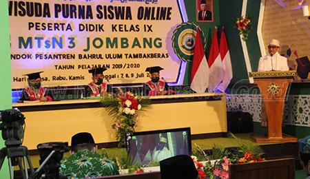 Pandemi Covid-19, MTsN 3 Tambak Beras Jombang Wisuda 896 Murid Secara Online