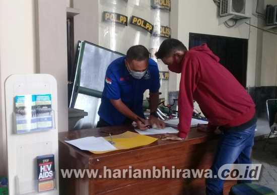 Pelanggar Berbondong-bondong Ambil KTP di Kantor Satpol PP Sidoarjo