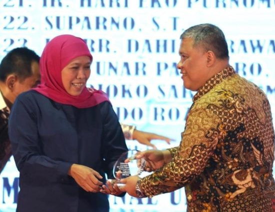Kepala Bappeda Jatim Meninggal, Gubernur Khofifah Bakal Sematkan Penghargaan Jer Basuki Mawa Beya