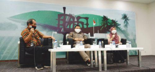 Pro Dinasti Politik: Semua Warga Negara Memiliki Hak,  Kontra: Memperburuk Demokrasi