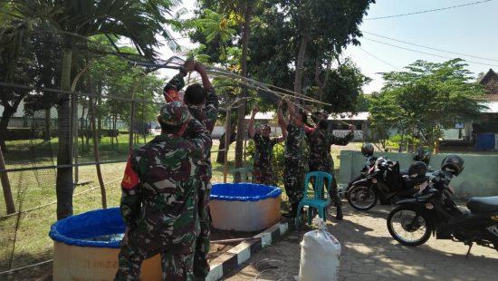 Koramil 0814/10 Mojoagung Beri Contoh Warga Budidaya Lele dan Kangkung