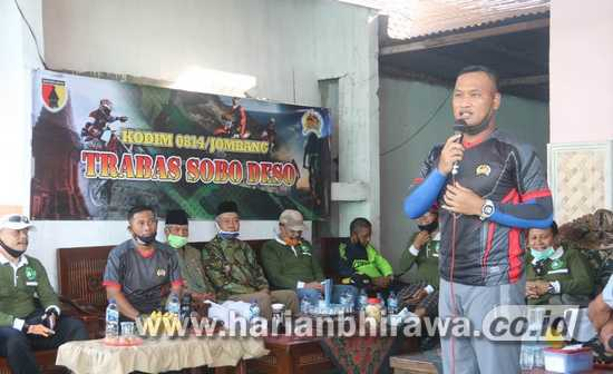 Kodim 0814 Jombang Gowes dan Santuni Warga Kurang Mampu