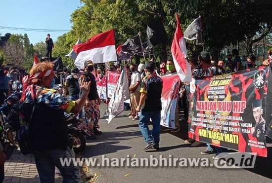 Gerakan Masyarakat Bawah Indonesia Konvoi Tolak RUU HIP di Nganjuk