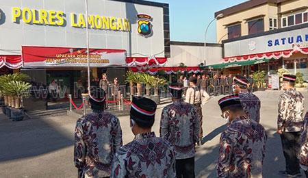 Mantan Teroris Poso dan Simpatisan ISIS Ikut Upacara Kemerdekaan di Polres Lamongan