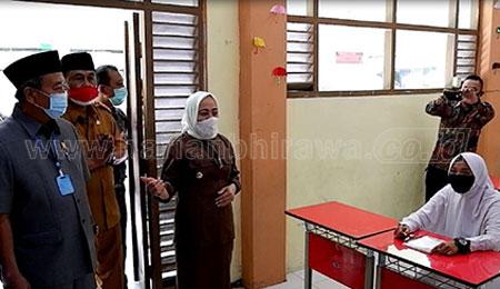 Bupati dan Komisi E DPRD Provinsi Jatim Pantau KBM di Bojonegoro
