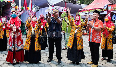 SMKN 1 Maesan Dukung Bazar Dharma Wanita Cabdindik Bondowoso