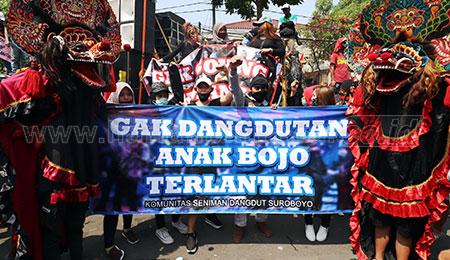 Pekerja Seni Demo Tuntut Pemkot Surabaya Izin Hajatan Dikeluarkan