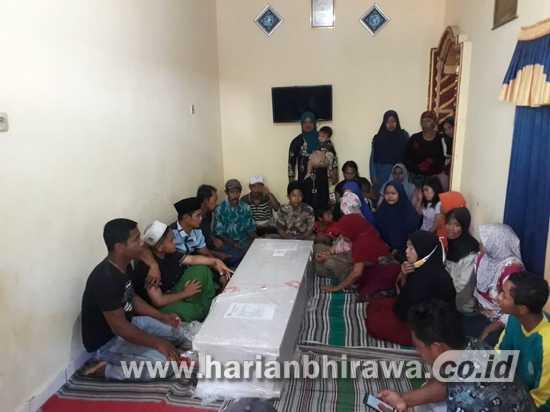 Tiga Jenazah BMI Lumajang dari Malaysia Tiba di Rumah Duka