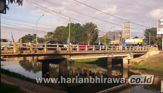 Jembatan Lembu Peteng Tulungagung Tutup Total Selama Perbaikan