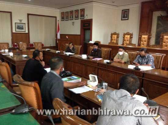 Tokoh Masyarakat Besole Wadul ke DPRD Tulungagung