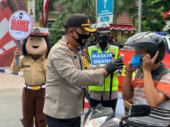 Cegah Penyebaran Covid-19, Kapolres Bojonegoro Ingatkan Warga Pakai Masker