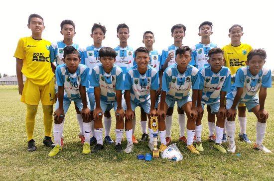 Laskar Elang Putih Juarai Laga Friendly Game Soccer Academy di Mojokerto
