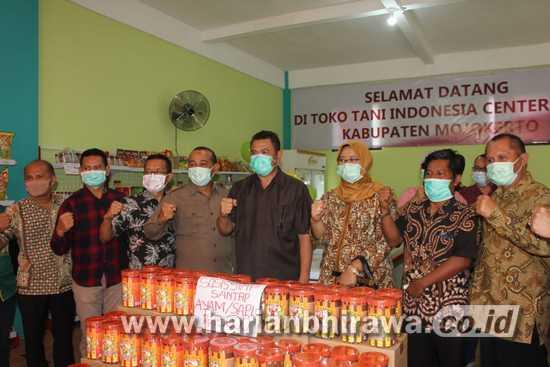 Bupati Mojokerto Gelar Pangan Murah Sambut HUT Kemerdekaan RI-.75