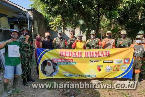 Kodim 0814 Jombang-Donatur Bantu Bedah Rumah Lansia Sebatang Kara