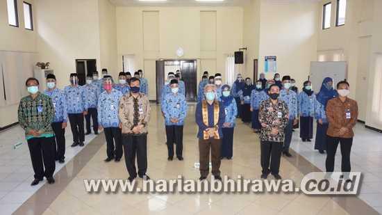 30 Pejabat Fungsional Disnakertrans Jatim Dilantik dan Sumpah Jabatan