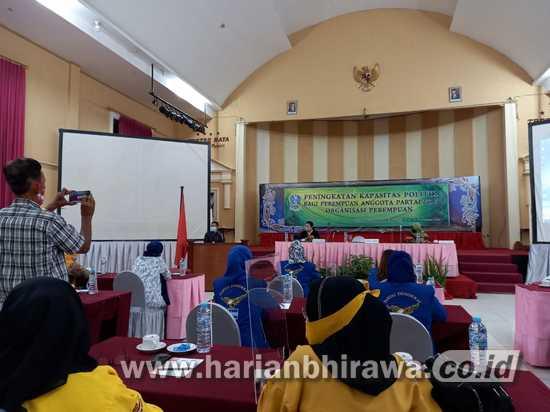 DP3AK Jatim Tingkatkan Kapasitas Politik bagi Perempuan