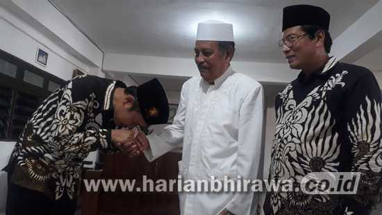 KH.Abdul Ghofur Pengasuh Ponpes Sunan Drajat Nyatakan Totalitas Dukung Yes – Bro