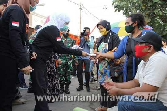 Gubernur Jatim Resmikan RSUD Srengat Blitar dan Bagikan Masker